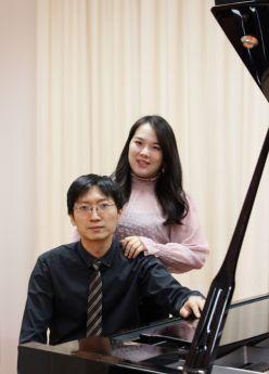 Vier Hände, Zwei Welten - Vierhändige Klaviermusik - Konzert mit Menü